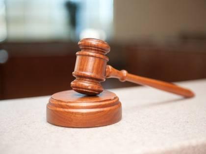 Badante falsifica testamento e intasca 389mila euro: indagata