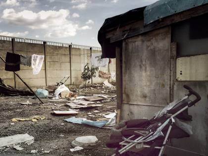 Detenuto evaso da un campo rom di Secondigliano: manomessa la videosorveglianza