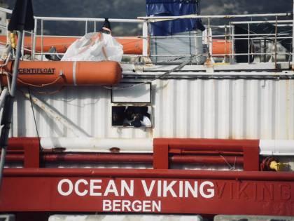 """Strada """"sale"""" su Ocean Viking: """"Aprite i porti italiani alla nave"""""""