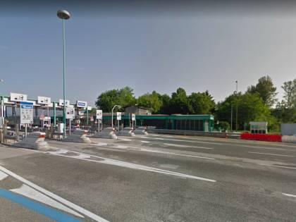 Torino, 36 migranti stipati in un furgone: arrestati due passeur