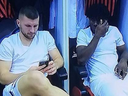 """Milan, Pioli smonta il caso cellulari: """"Prima della partita si può utilizzare"""""""