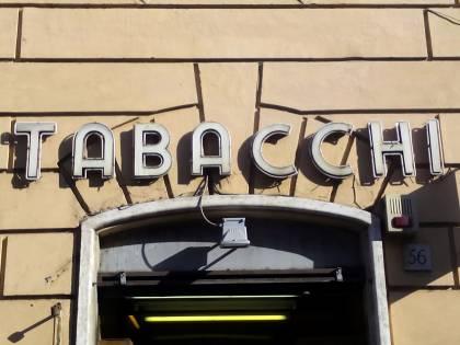 """A Roma è allarme rapine, chiude un tabacchi del centro: """"Abbiamo paura"""""""