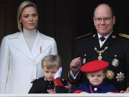 """Charlene di Monaco confessa: """"Crescere i gemelli è estenuante"""""""