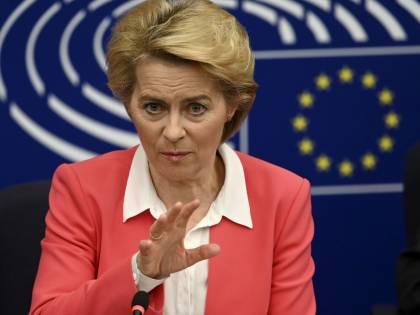 Ursula von der Leyen di nuovo nella bufera per lo scandalo appalti