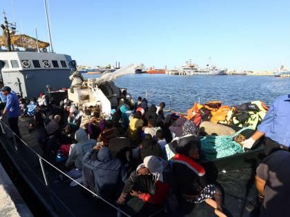 In manovra soldi per i migranti: 900mila euro per non farli ammalare