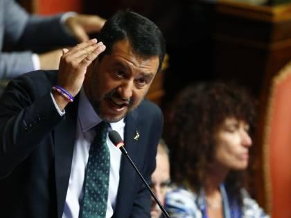 """Salvini: """"Se Conte e Di Maio continuano, li querelo"""""""