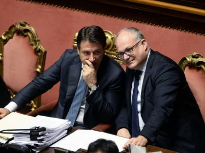 """Le promesse di fine anno di Gualtieri: """"Tagliamo tasse e aumentiamo stipendi"""""""