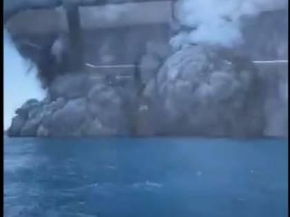 Nuova Zelanda, erutta vulcano su White Island: morti e numerosi turisti dispersi