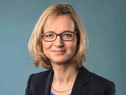 """Germania, la sindaca sfida la legge: """"Non stringo la mano ai consiglieri di estrema destra"""""""