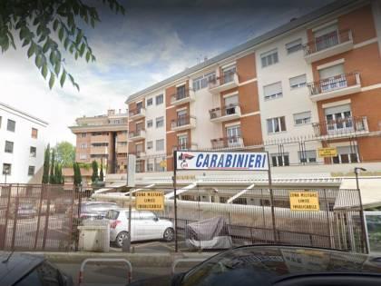 Roma, 52enne pestato per 100 euro: fermati 4 romeni senza dimora