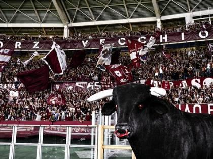 Blitz della polizia contro gli ultras: 75 Daspo ai Torino Hooligans