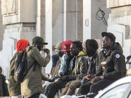 Tensione al centro migranti: aggredisce alcuni poliziotti, arrestato nigeriano