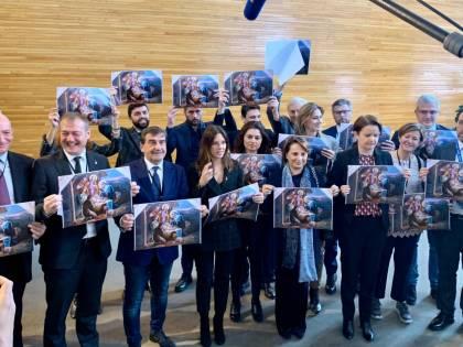 """La Lega porta il presepe al parlamento Ue: """"Difendiamo la tradizione"""""""