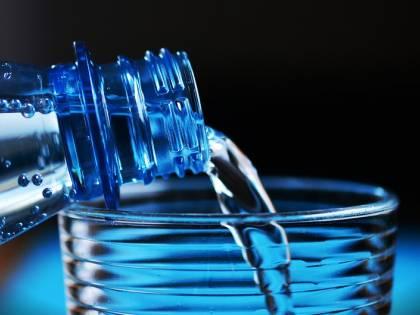 Torino, beve ammoniaca al posto dell'acqua: 13enne finisce in ospedale