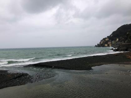 Liguria, scatta l'allerta rossa: piogge diffuse e cedimenti franosi