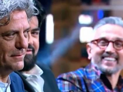 """MasterChef, Giorgio Locatelli in imbarazzo per la concorrente: """"Lo sa che è proprio bello?"""""""