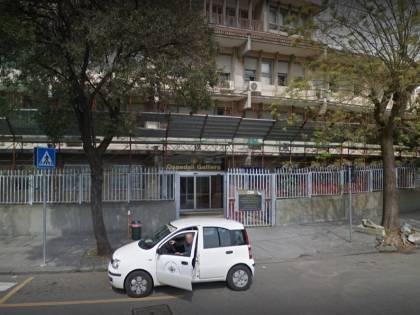 L'aggressione choc dell'ucraino: così rompe il dito all'infermiere