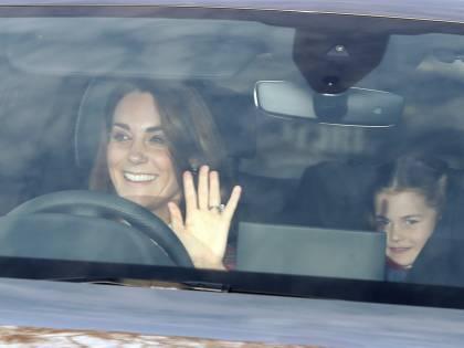 La royal family britannica inaugura i tradizionali festeggiamenti di Natale