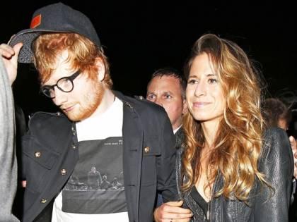 """Ed Sheeran, la verità sulle nozze con Cherry Seaborn nel videoclip """"Put it all on me"""""""