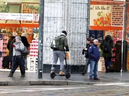 Ancora incidenti in monopattino: ora rischiano anche le società sharing