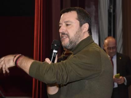 """Cannabis, Salvini: """"Macché coltivarla a casa, la droga fa male"""""""