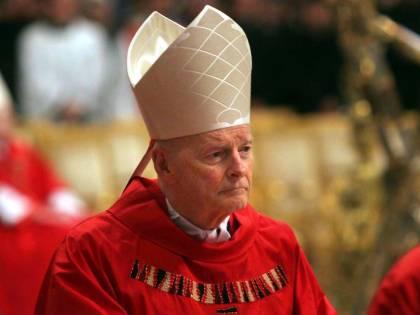 """Vaticano, nuove accuse a McCarrick: """"Schema predatorio di abusi"""""""