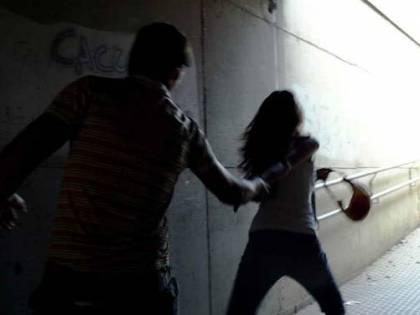 Marocco, 17enne rapita e violentata per 25 giorni da 20 uomini