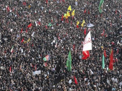 Teheran, milioni di persone ai funerali di Soleimani