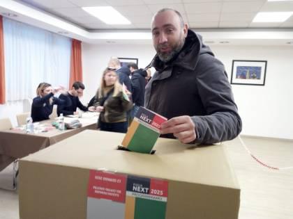 Primarie in Puglia: i quattro candidati nei seggi per votare
