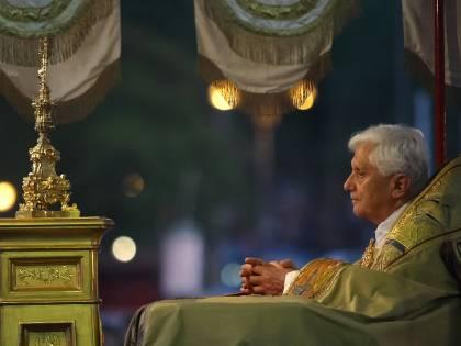 """Cosa c'è dietro il """"ritorno"""" di Benedetto XVI"""