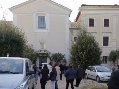 A Montopoli i funerali dell'uomo morto in un incendio a Capodanno