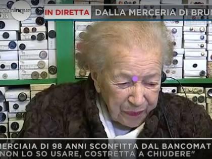 """Merciaia di 99 anni chiude: """"Colpa dello scontrino elettronico"""""""