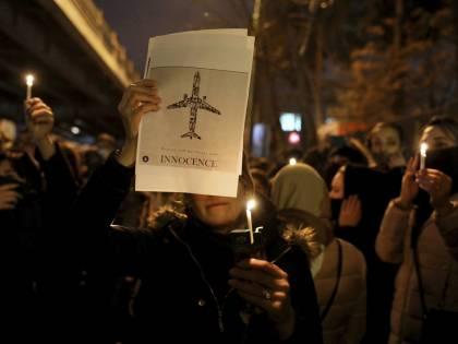 """Presentatrice tv iraniana si dimette: """"Sull'aereo abbattuto ho mentito"""""""