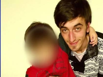 """Uccise figlio di 5 anni soffocandolo, assolto: """"In preda a delirio mistico"""""""