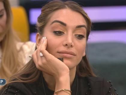 """Gf Vip, Elisa De Panicis """"smaschera"""" Andrea Denver: """"Mi ha chiesto di avere una storia in Casa"""""""
