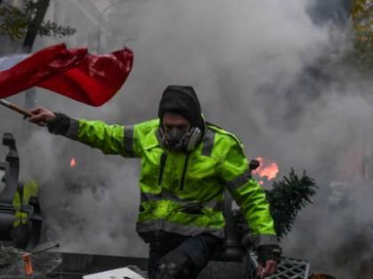 La rabbia contro Macron