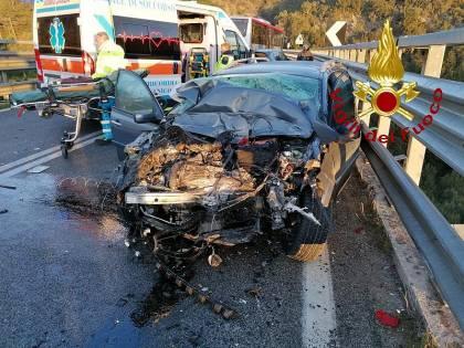 Auto contro pullman, due morti nel Grossetano