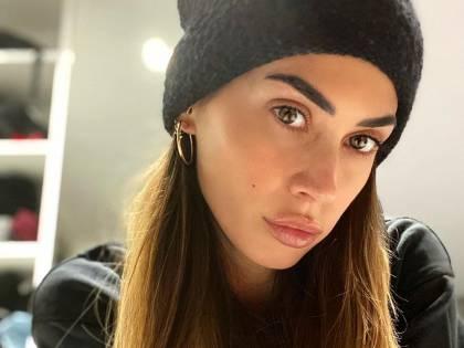 Melissa Satta in sauna, ma il web non apprezza il tattoo