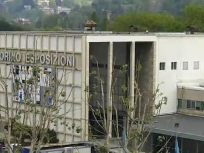 Torino, clandestini sfondano parete e occupano edificio: denunciati