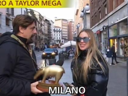 """Tapiro a Taylor Mega dopo l'uscita di scena dalla d'Urso: """"Qualcuno ha giocato sporco"""""""