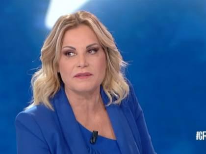 """Simona Ventura: """"Provano ad ammazzarmi, ma non ci riescono mai"""""""