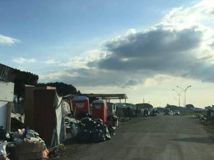 Roghi tossici e sfruttamento: così vivono i rom sgomberati