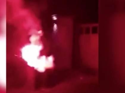 Fumogeni ultrà contro la casa del vicepresidente del Manchester United