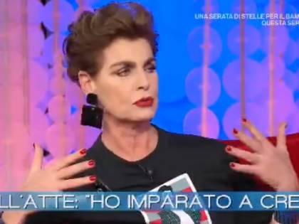 """Antonia Dell'Atte rivela: """"Un padre violento per l'alcool e un marito ossessivo"""""""
