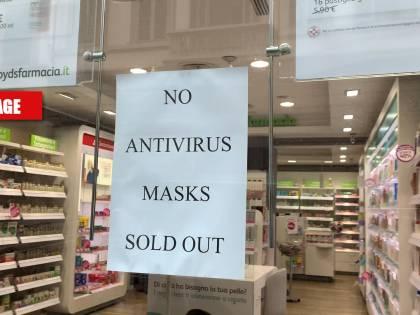 Firenze teme i turisti asiatici: le mascherine vanno sold out