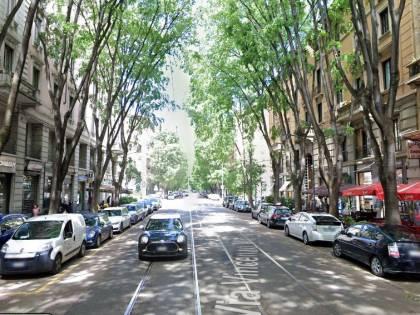 Milano, nonno pusher vende droga ai ragazzini dopo la scuola
