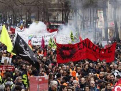 Parigi non si arrende: pronta un'altra protesta di piazza