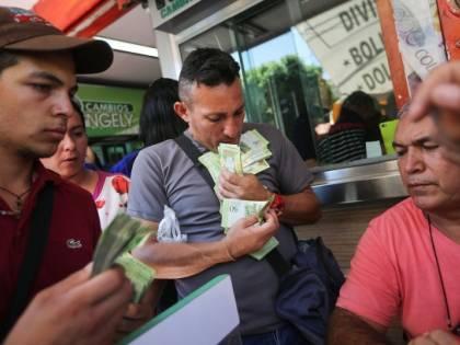 Venezuela, la banca centrale registra un'inflazione del +10.000%
