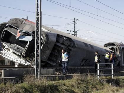 Treno deragliato a Lodi: indagati 5 operai Rfi