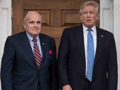 """Rudy Giuliani contro Obama: """"Ha finanziato il laboratorio di Wuhan"""""""